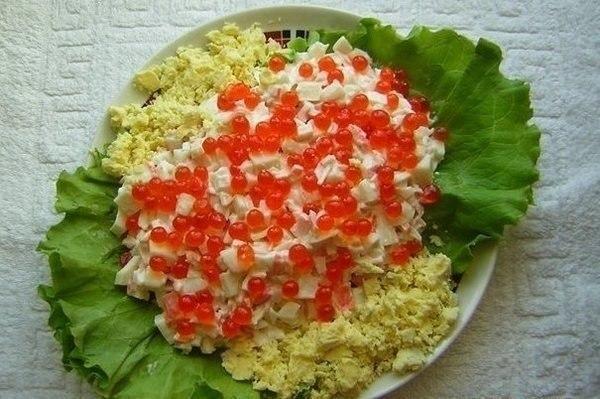 Салат из кальмар с красной икрой рецепт с